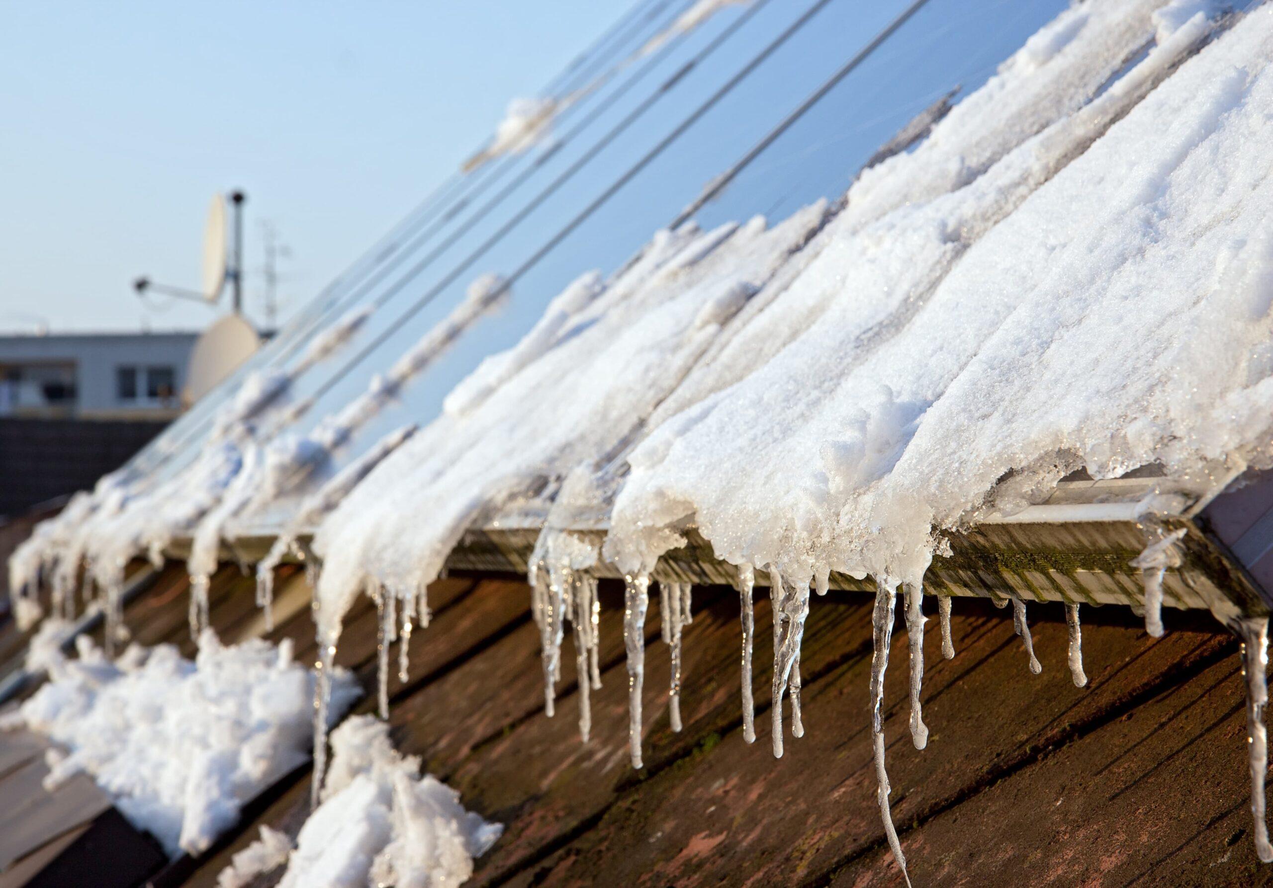 Panneaux photovoltaïques recouverts de neige conseils Energreen