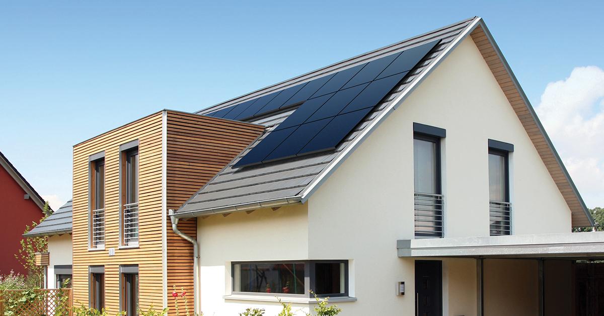 Energreen propose un service complet d'installation et de maintenance de panneaux solaires photovoltaïques.