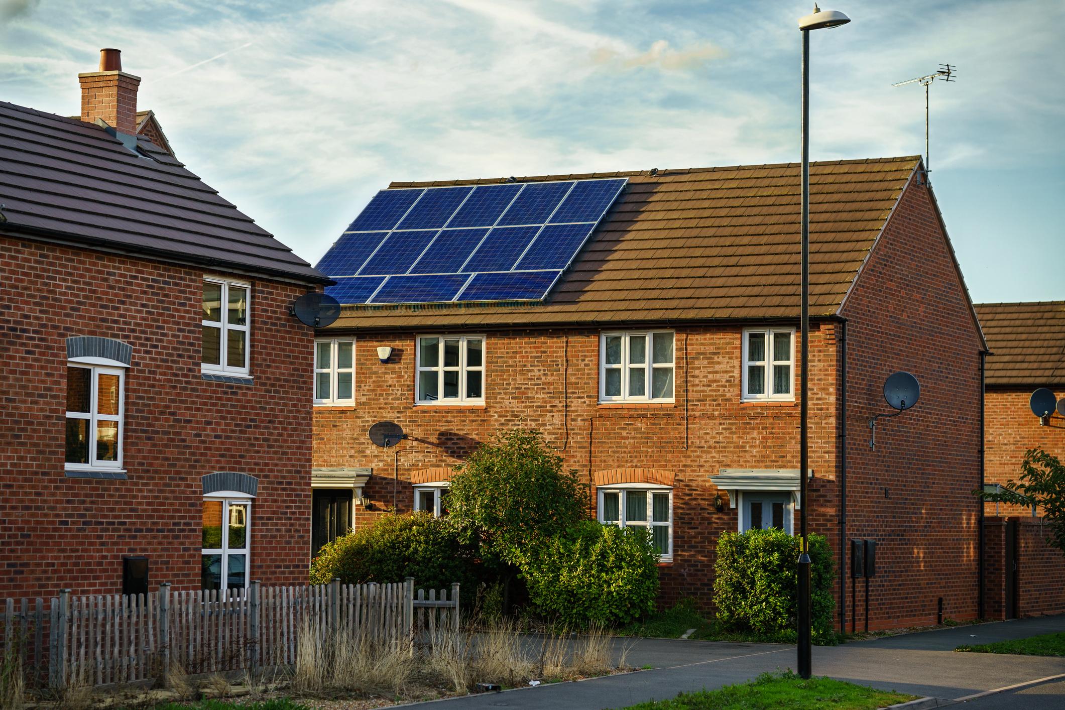 Installation panneaux photovoltaïques en surimposition Energreen