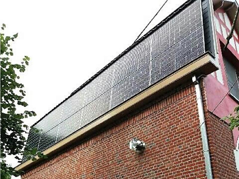 Installation panneaux photovoltaïques façade IBC Solar Energreen