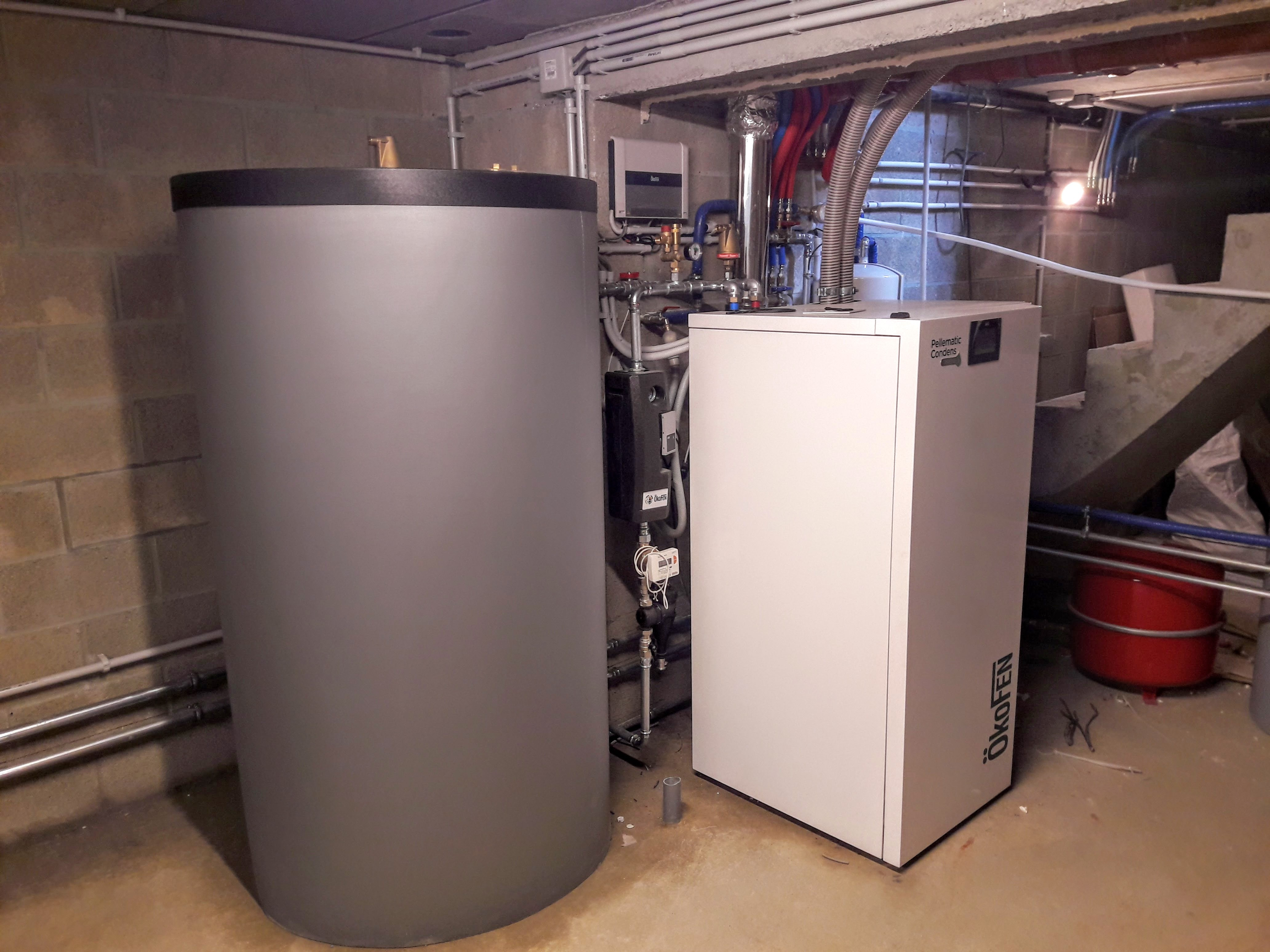 Installation chaudière à pellets Okofen Pellematic Condens Energreen