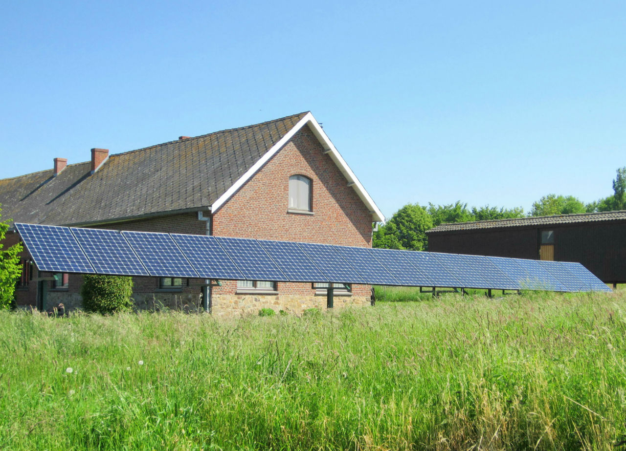 Installation panneaux photovoltaïques Sunpower E20 327 au sol Energreen