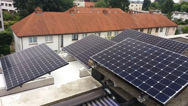 Installation panneaux photovoltaïques Sunpower E20 327 toit plat Energreen