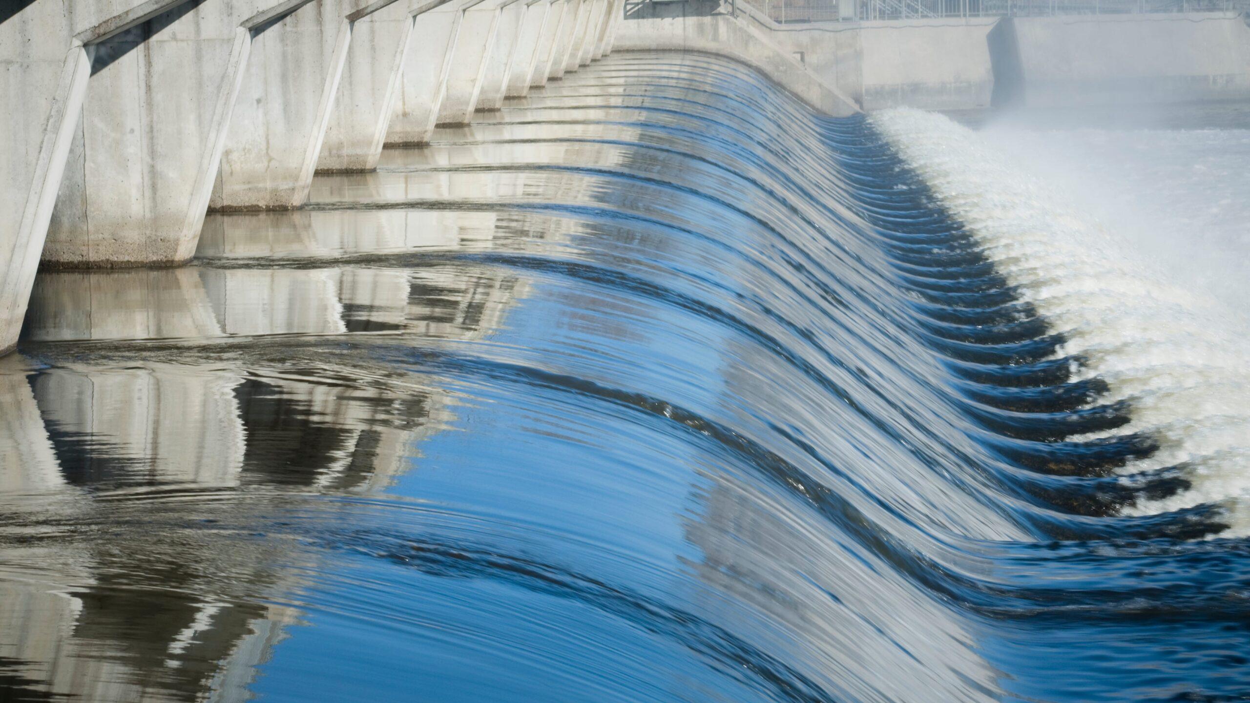 Cascade d'eau énergie hydraulique