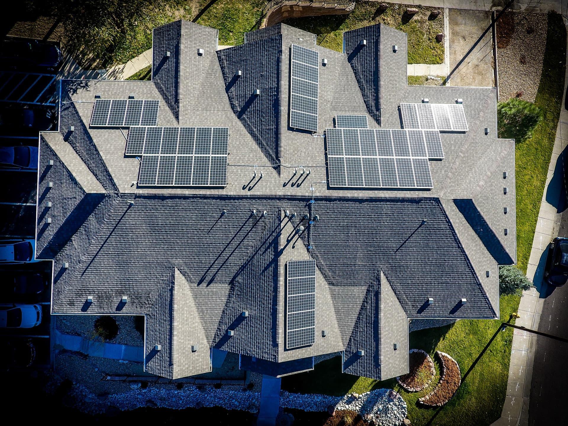 Panneaux solaires: une installation pour chaque type de toit